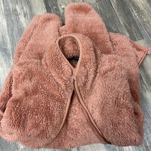 Very soft and cozy jacket!!